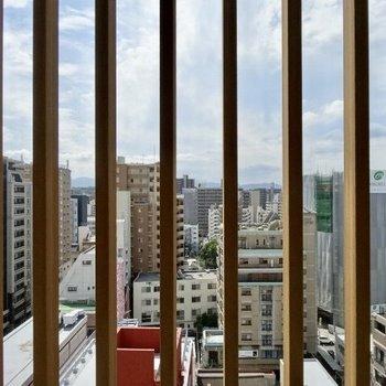 都会の暮らしって憧れるなあ(※写真は11階からのものです)