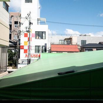 和室2からは空も見えます。