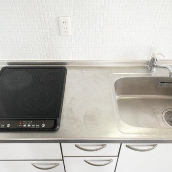 調理台を置けば調理スペースもバッチリ確保できそう◎