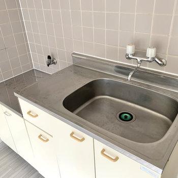 【DK】大きめのシンクで洗い物もしやすいです。