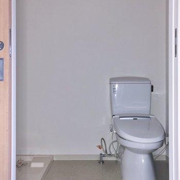 廊下右手にサニタリーです。※写真は3階の同間取り別部屋のものです