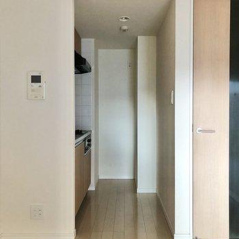 キッチンをみてみましょう。※写真は3階の同間取り別部屋のものです