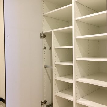 10足以上入る シューズボックスです◎※写真は2階の同間取り別部屋のものです