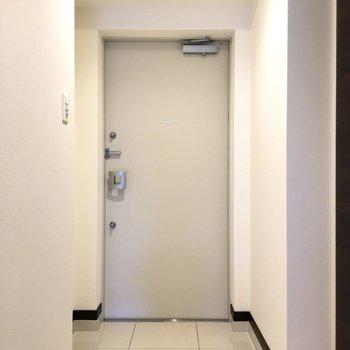 オートロックの玄関です 安心ですね※写真は2階の同間取り別部屋のものです