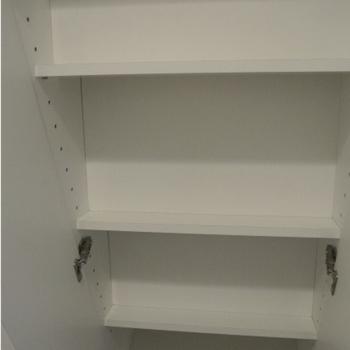縦型のスタイリッシュなシューズボックスです。※写真は4階の同間取り別部屋のものです