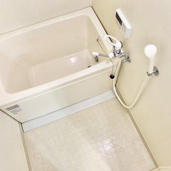 ゆったり浸かれそうなお風呂です。