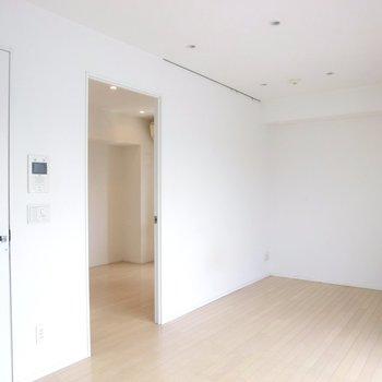 【LDK】こちらからはこんな感じです。※写真は7階の同間取り別部屋のものです
