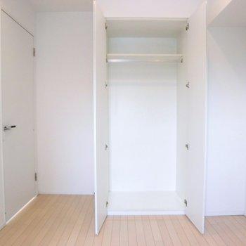こちらにはクローゼットが1つ。※写真は7階の同間取り別部屋のものです