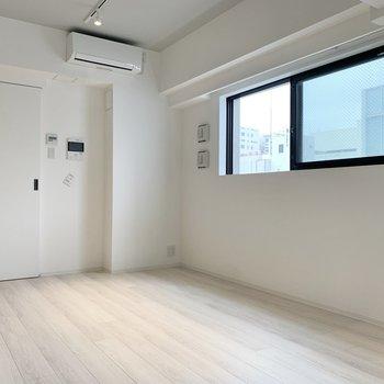 【LDK】家具の色合いもお好みに合わせられますね。