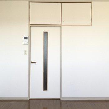 テトリスを思わせる扉の作り!(※写真は11階の同間取り別部屋のものです)