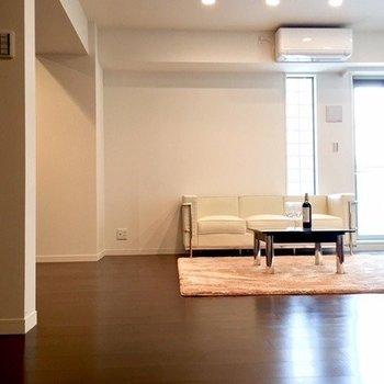 スマートな大人の部屋はこんな感じ。(※写真は4階同間取り別部屋のものです)