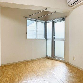 どこか懐かしい落ち着ける空間。(※写真は3階の同間取り別部屋のものです)