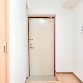 玄関も不自由の無い広さ。