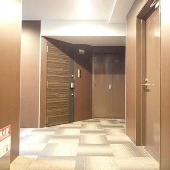共用部】ホテルのような廊下。