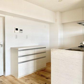 ゆったりスペースのキッチン。