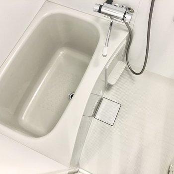 身体を洗うスペースもしっかりありますね。