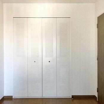 【サービスルーム4.6帖】ドアもあるのでプライベートもしっかり保てます。