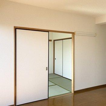 【LDK11.6帖】和室とは引き戸で仕切ることができますよ。