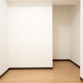 隠れられそうなスペース!ここをオープン収納にしてもいいですね。