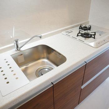 品のあるキッチン(※写真と文章は10階反転似た間取り別部屋のものです)