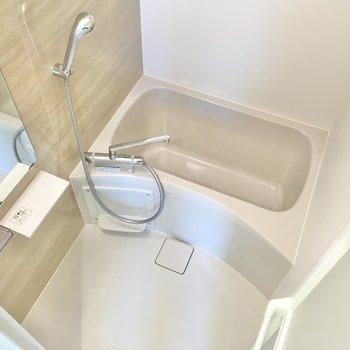 シンプルで使い勝手の良い浴室。