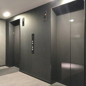 各階への移動はエレベーターで。タッチキーで移動がロックされており、セキュリティ面も安心。