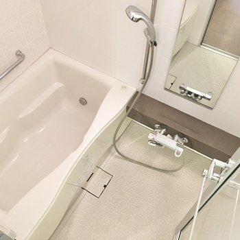 バスルームも柔らかな色合いですね。