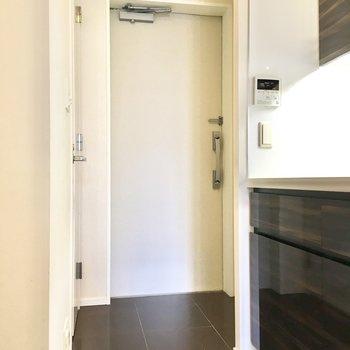 フラットタイプの玄関は、お部屋を広く見せてくれる効果が期待できます。