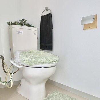 トイレはウォシュレット付き◎ ※4階の類似間取り別室の写真です。