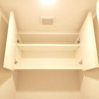 上にはペーパーを置けます。(※写真は6階の同間取り別部屋、清掃前のものです)