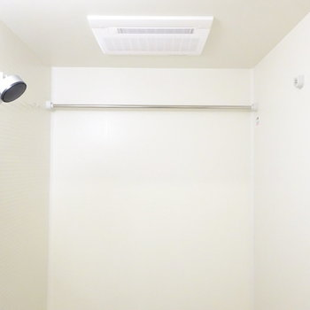 浴室乾燥機付き!(※写真は13階の反転間取り別部屋のものです)