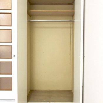収納はワンシーズン分くらい。※写真は2階の同間取り別部屋のものです