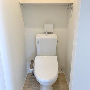 トイレには段差があるのでちょっと注意。