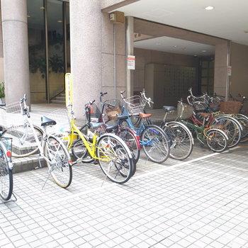 【共用部】自転車はこちらへ。