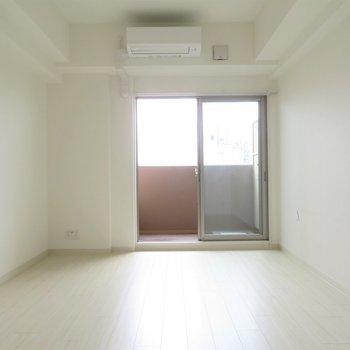 どんな家具を置こうかな。(※写真は7階の同間取り別部屋のものです)