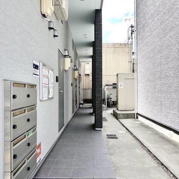 メールボックスは1階の共用部に。