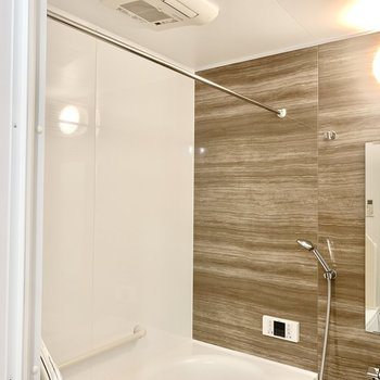 浴室乾燥機付きです。