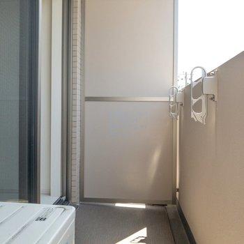 洗濯物がよく乾きそうです!※写真は3階の反転間取り別部屋のものです