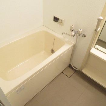 お風呂もとっても綺麗です※写真は同間取り別部屋のものです