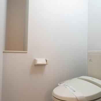 温水洗浄便座付きのトイレです※写真は同間取り別部屋のものです