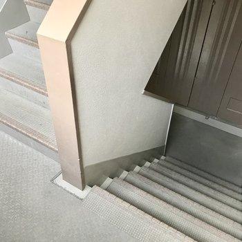5階までは階段…!運動と思って頑張りましょう!