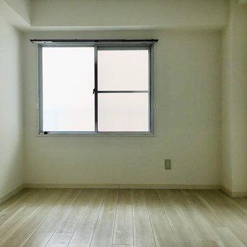 【洋室】ここはやっぱり寝室にしたいなぁ。