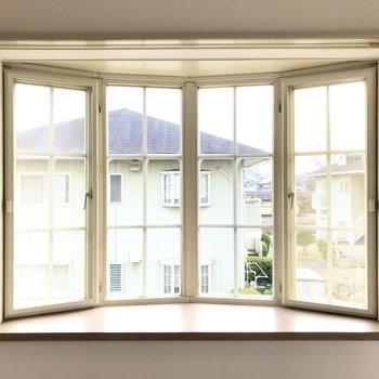 出窓がなんだか洋風で可愛い…!
