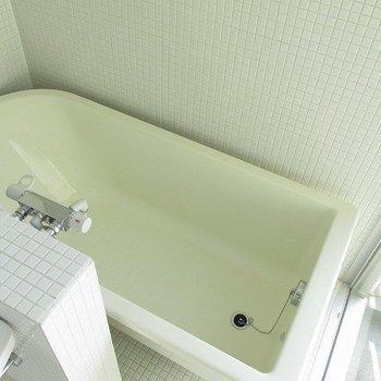 浴室も大きめ!!(※写真は9階の同間取り別部屋のものです)