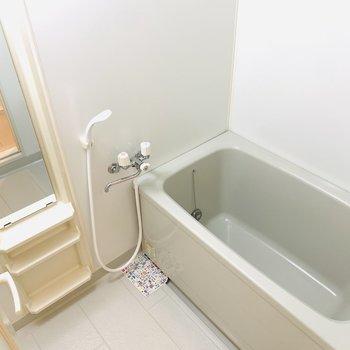 バスルームはすっきりシンプルに。