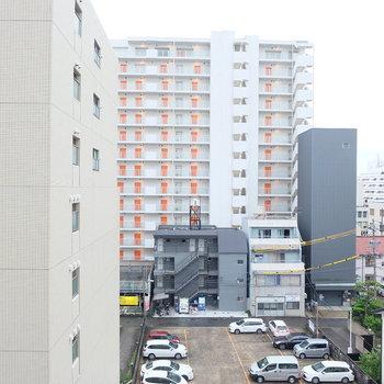 眺望は中心地って感じです。※写真は同位置6階のものです。