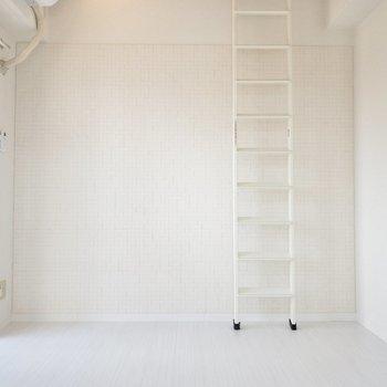 このはしごをのぼると、
