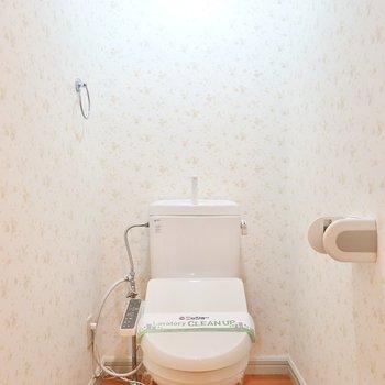 もちろんトイレも可愛らしく。嬉しいウォシュレット付きです。