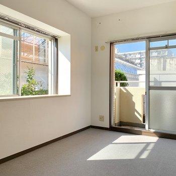 【現状写真】寝室部分も2面採光で気持ちの良いお部屋
