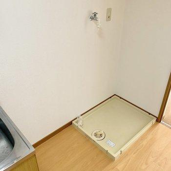 キッチン右側に冷蔵庫、洗濯機という並びになりそうです。(※写真は4階の同間取り別部屋のものです)